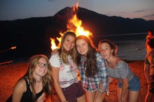 Lagerfeuer im Feriencamp