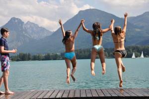 Sprung in den Wolfgangsee