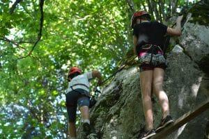 Klettern und Abenteuer in der Natur im Ferienhort Special-Camp 2016